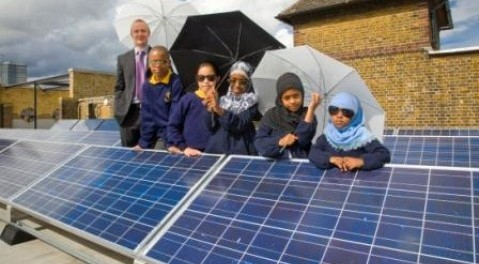 Pupils at Vauxhall Primary with their new solar panels